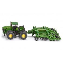 Traktorius su kultivatoriumi