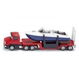 Krovininis automobilis su valtimi
