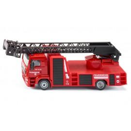 MAN ugniagesių automobilis su kopečiomis