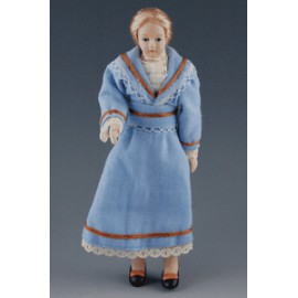 Moteris mėlyna suknele