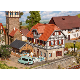 "Viešbutis ""Sonne"" su lauko terasa"